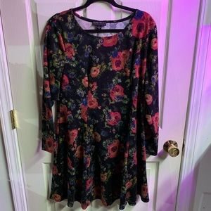 Forever 21 floral dress size 2XL